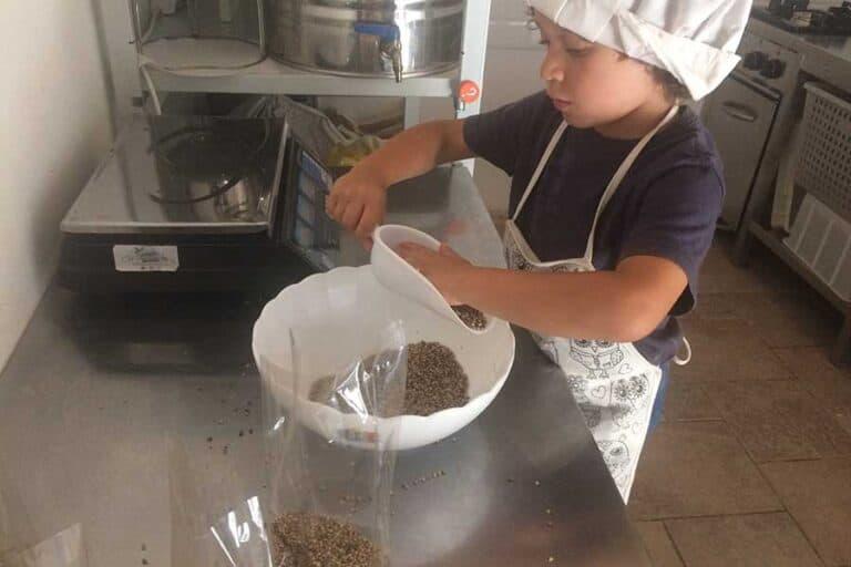 Filippo, responsabile dei prodotti alimentari al Borgo degli Gnomi